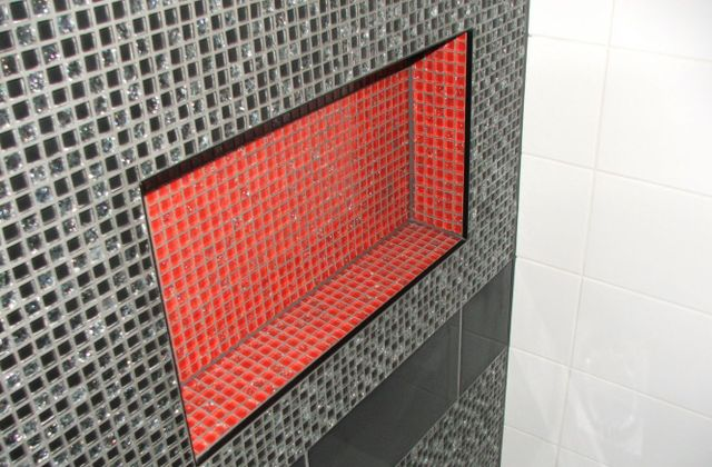 Beautiful bathroom wall thanks to tiling services in Otago