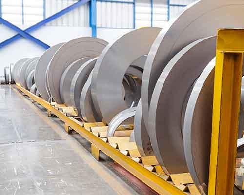 rotoli di lastre di metallo lavorate industrialmente