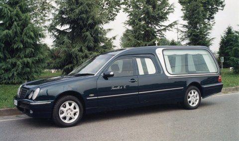 Mercedes per trasporto funebre