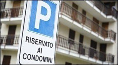 Segnale di un parcheggio condominiale