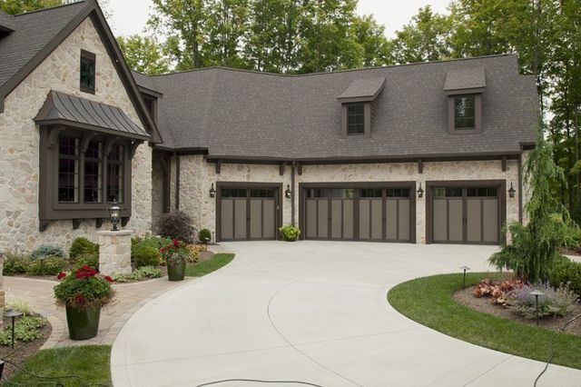Tips For Selecting A Garage Door