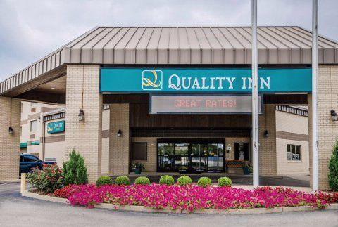 Quality Inn Exterior
