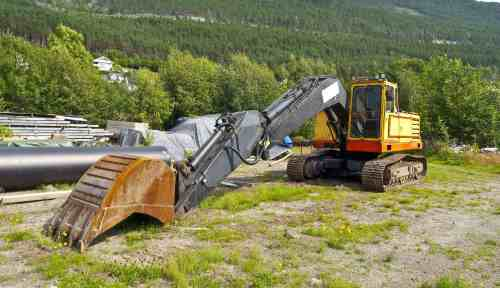 Excavator supplied by trucking contractors in Black Creek, WI