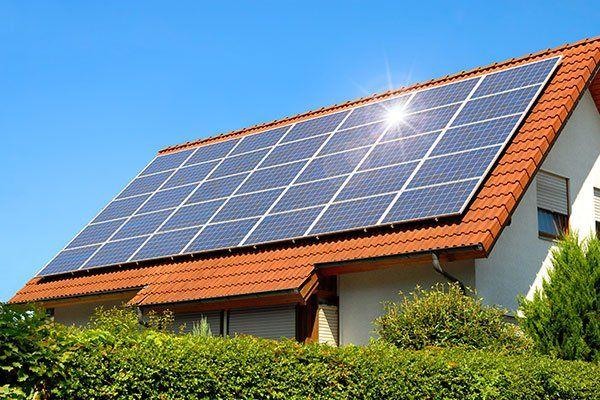 Pannelli solari montati su un tetto