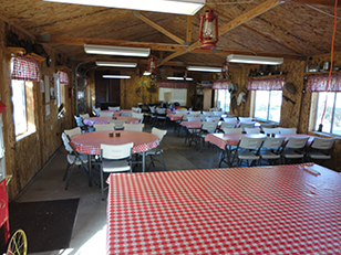 Mogote Meadow Cabins & RV Park recreation hall