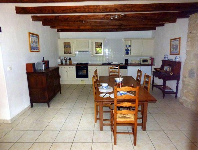 gite-kitchen-dining-room