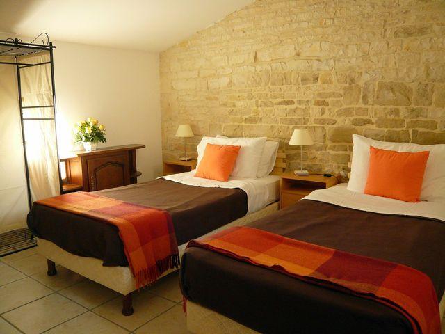 master-bedroom-twin-beds