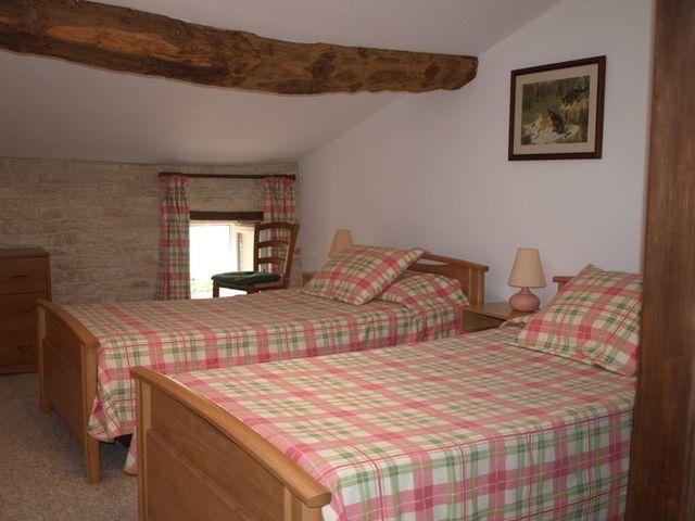 second-twin-bedroom