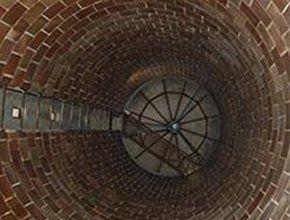 Interno di una cisterna in mattoni