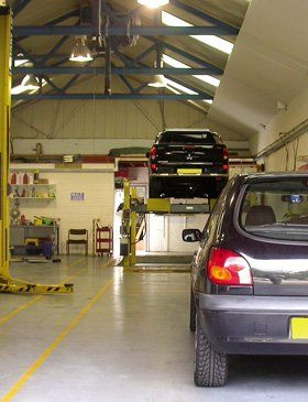 Garage services - Hillingdon, Hounslow - Punters Garage - Car Servicing