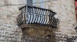 Balcone in ferro battuto artistico