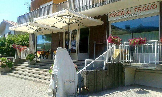 Vista frontale della Pizzeria Pizze & Delizie a Tavagnacco