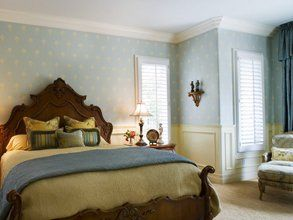 Bedroom wallpapering