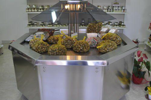 L'impegno, la dedizione e la qualità delle raffinatezze gastronomiche offerte fanno de La Casa della Chiocciola un punto di riferimento tutti per gli amanti delle lumache e dei prodotti tipici della Sicilia