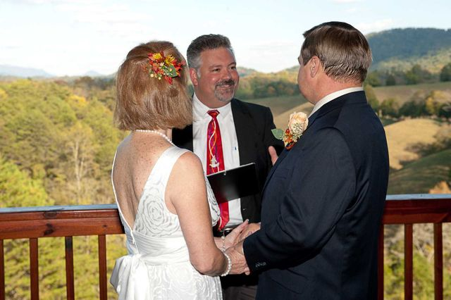 Minister Preforming Gatlinburg Wedding