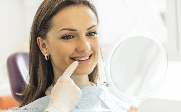 Persönliche Implantatberatung in der Zahnarztpraxis Dr. Dwornik in Jülich