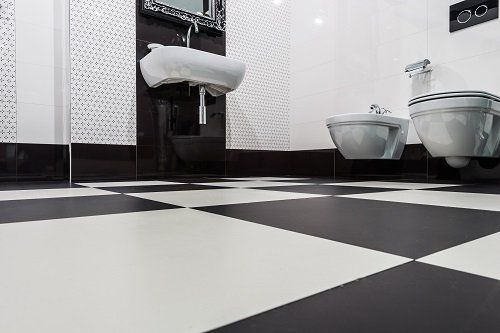 pavimento nero e bianco