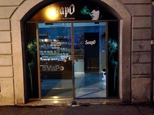 Vista frontale del negozio Svapo a Gallarate