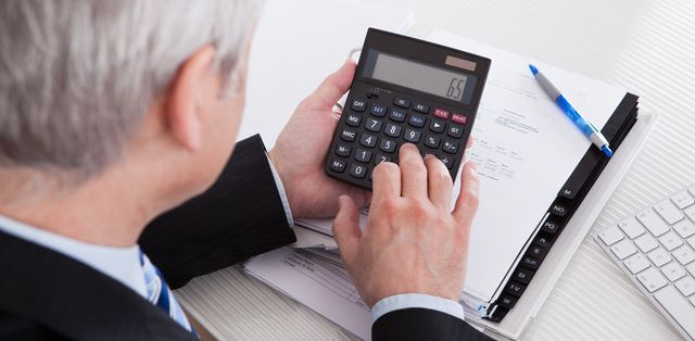 Accountant performing tax services in Lincoln