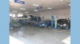 meccanico motore auto, manutenzione auto, manutenzione periodica auto