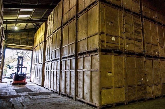 Containerised warehouse storage & Convenient Self Storage | Dunbar Removals u0026 Storage