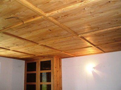 un soffitto in legno