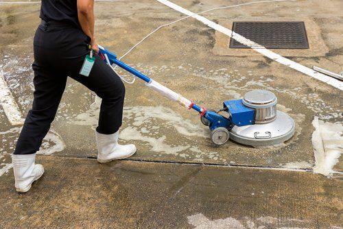 pulitura pavimenti