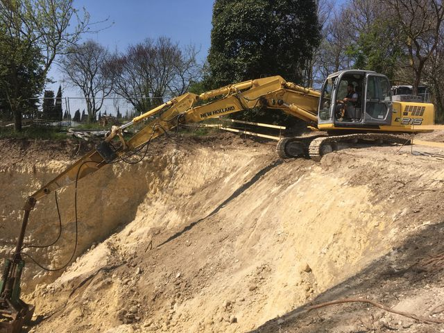 Gru per escavazioni