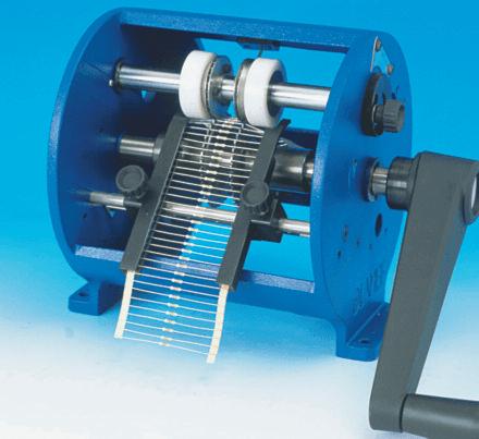 Taglia e piega forma componenti assiali per montaggio in superficie