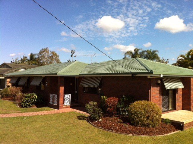 Roof Pressure Cleaning Services On The Sunshine Coast