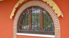 ringhiere di ferro, scale di ferro,  taglio e piegatura lamiere