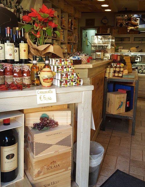 Gastronomia e vini in esposizione