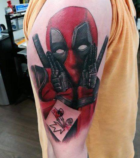 Highly Experienced Tattoo Artists At Buzzin Guns Tattoo Studio