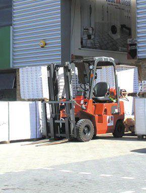 Operating Forklifts - Edinburgh, City of Edinburgh  - Taylor Training  - Store Loading Bay training