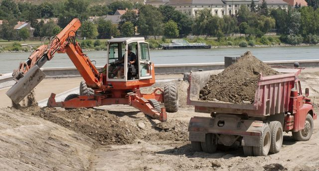 Excavating contractor on location in Nevada, OH