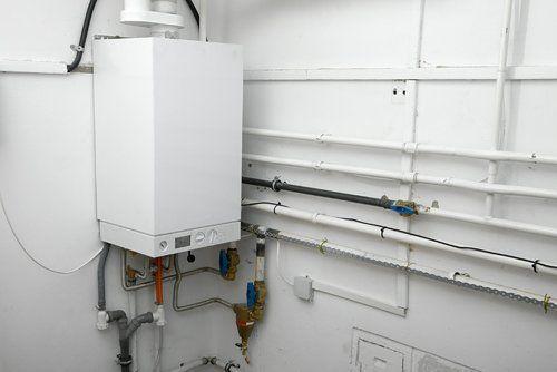 Installazione e manutenzione o la sostituzione di caldaie