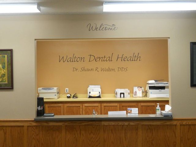 Walton Dental Health Reception Desk