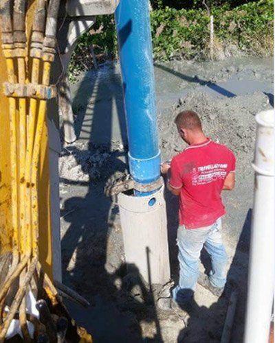 Gli esperti al lavoro della palificazione in Sicilia