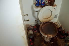 unclean bathroom