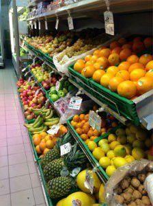Sezione di frutta del supermercato