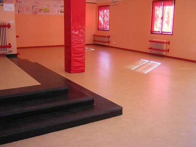 Pavimento In Gomma Antiscivolo : Superfici antitrauma bergamo pavimenti nobili