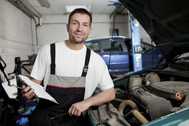 Collision repairs mechanic in Shelbina, MO
