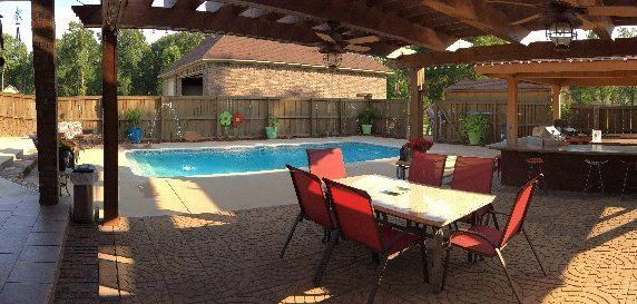 Luxury Pools In Searcy