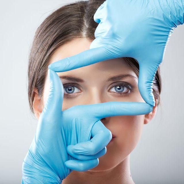 faccia un intervento chirurgico di bellezza donna vicino ritratto