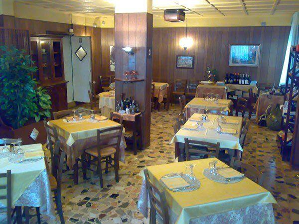 Sala Ristorante Pizzeria Osteria dei Miracoli a Casalbordino