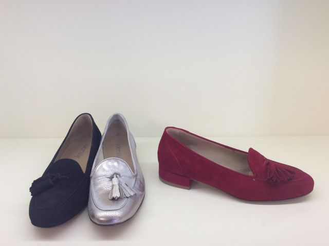 Più paia di scarpe artigianali