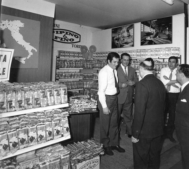 foto in bianco e nero del primo negozio