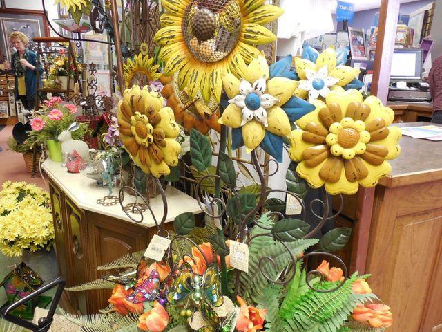 outdoor arts, outdoor decor, metal flowers, metal sunflower art, yard art