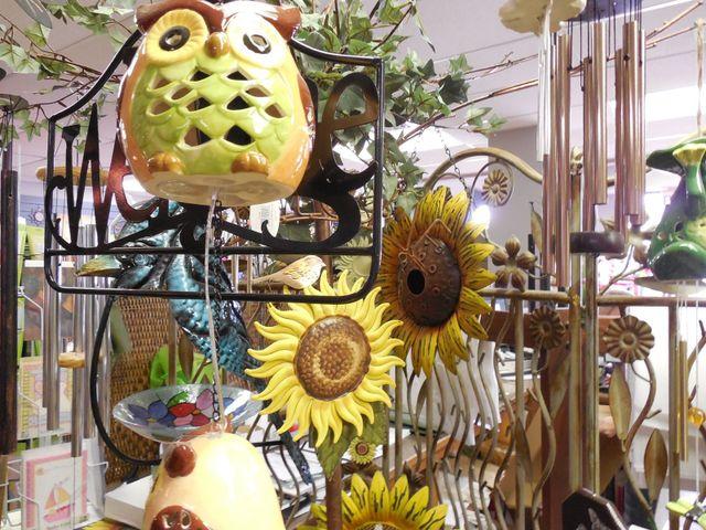 outdoor arts, outdoor decor, metal owls, metal flowers, metal sunflower art