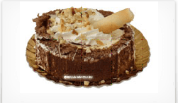 dessert al cioccolato con panna montata